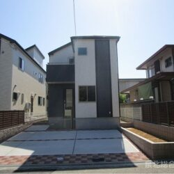 堺市南区 庭代台1丁新築戸建 全2区画1号棟 長期優良住宅に耐震等級3取得仕様です 約3帖のロフト付き 駐車スペースは2台分