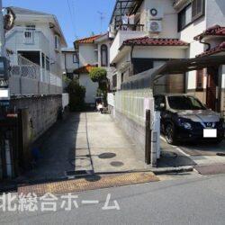 堺市中区 深阪3丁戸建 敷地面積50坪あります。大型車2台駐車可能。各居室6帖以上の4SLDK!